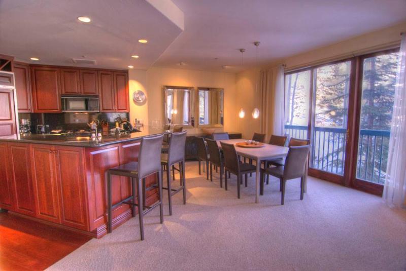Liftside Condominiums C42 3BD Condo - Image 1 - Vail - rentals