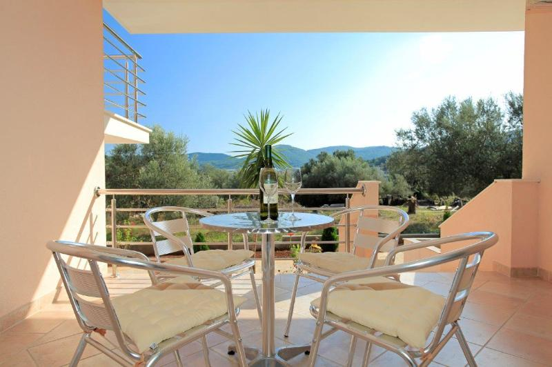 A2(2+2): terrace - 8111  A2(2+2) - Vela Luka - Vela Luka - rentals