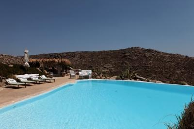 Stylish 6 Bedroom Villa in Mykonos - Image 1 - Mykonos - rentals