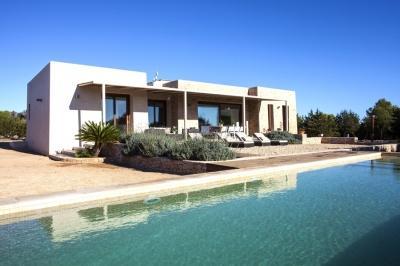 Charming 4 Bedroom Villa in Formentera - Image 1 - Cala Sahona - rentals