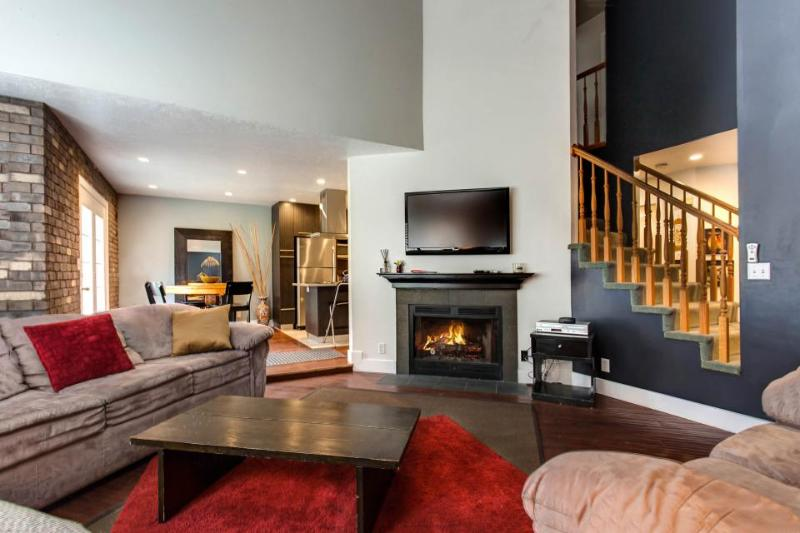 Condo for 12  w/gas fireplace; gourmet kitchen; foosball - Image 1 - Salt Lake City - rentals