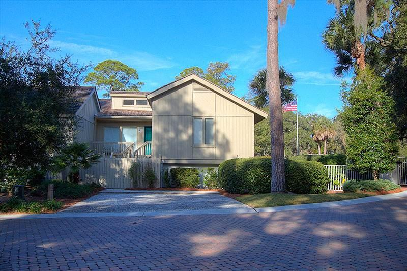 Turtle Lane Club 01 - Image 1 - Sea Pines - rentals