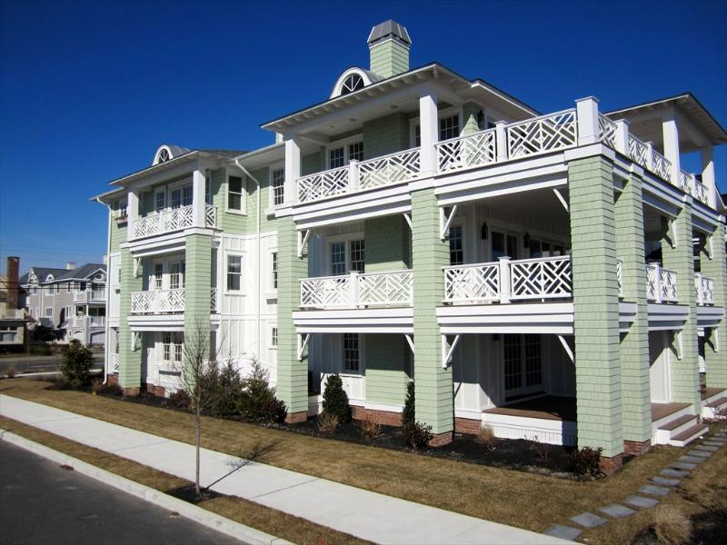 2639 Wesley Avenue 2nd Flr 125095 - Image 1 - Ocean City - rentals