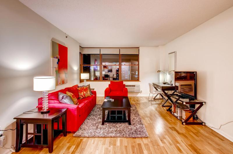 Living room - Lux Hoboken 2BR, minutes from NYC - Hoboken - rentals