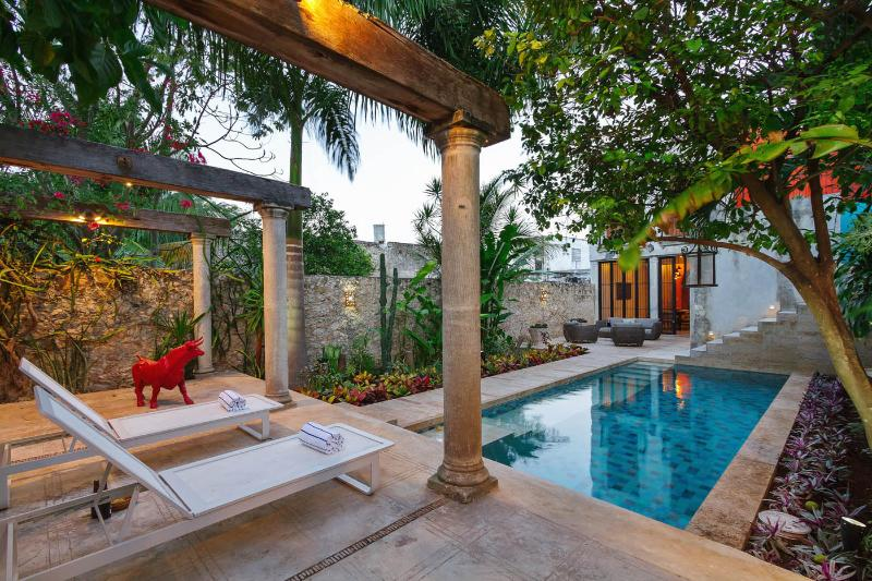 Your private terrace provides plenty of space to relax and indulge. - High-style colonial escape in central Mérida - Merida - rentals