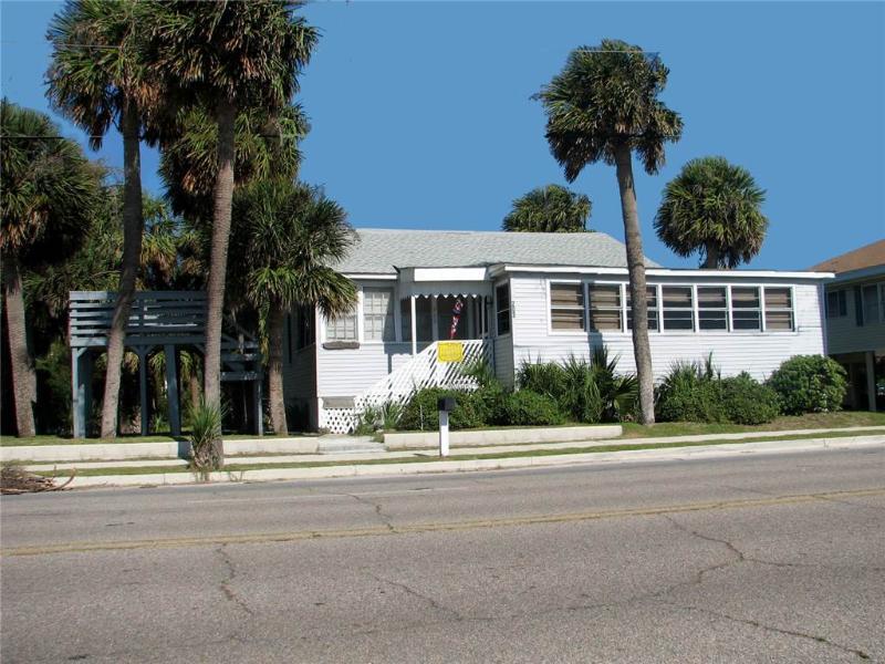 """203 Palmetto Blvd - """"Dunworking"""" - Image 1 - Edisto Beach - rentals"""
