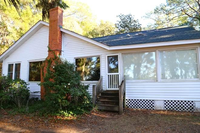 "8584 Peter's Point Rd -""Squirrel's Nest""-Edisto Is - Image 1 - Edisto Island - rentals"