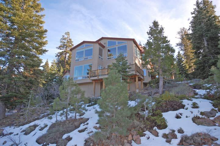 Grand Exterior - Back of Home - 321 Glenmore Way - South Lake Tahoe - rentals