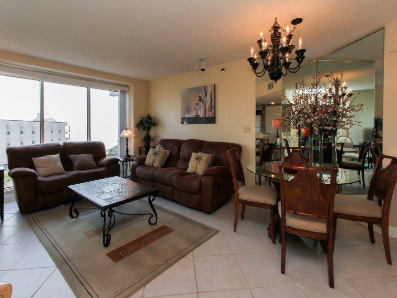 Living Room at 1510 Villamare - 1510 Villamare - Palmetto Dunes - rentals