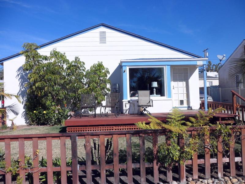 3BR/2BA Pacific Beach Cottage - Image 1 - Pacific Beach - rentals
