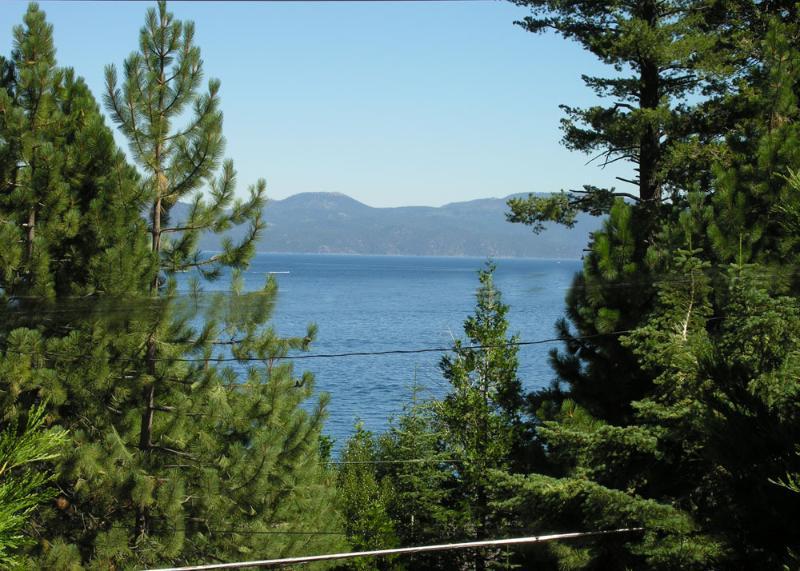 Tahoe Breeze views of Tahoe - walk to the beach - Tahoe Breeze, Hot Tub, Game Room, Tahoe Beach - Tahoe City - rentals