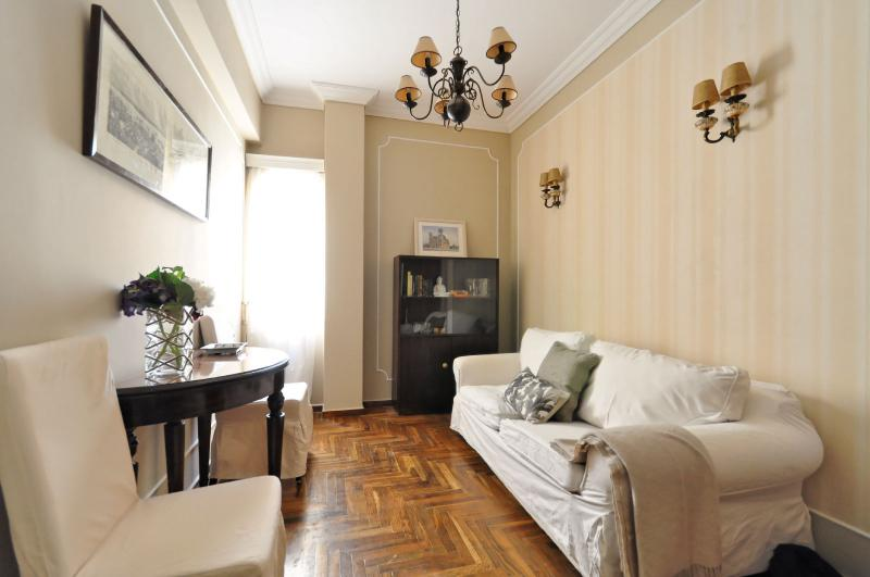 Stay in our cozy Plaka flat & walk to everywhere! - Image 1 - Athens - rentals
