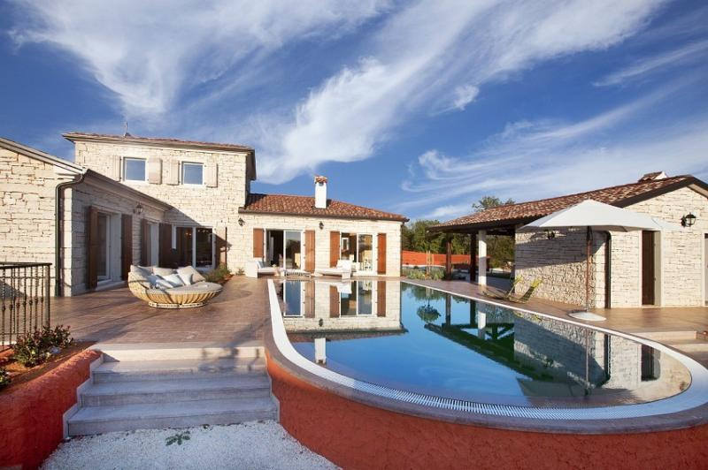 Rustical villa for rent with pool, Cabrunici, Istria - Rustical villa for rent with pool, Istria - Svetvincenat - rentals