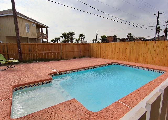 Private Pool - Reel'Em Inn, 3 bed/2bath, PRIVATE POOL, Sleeps 16, FREE GOLF CART - Port Aransas - rentals