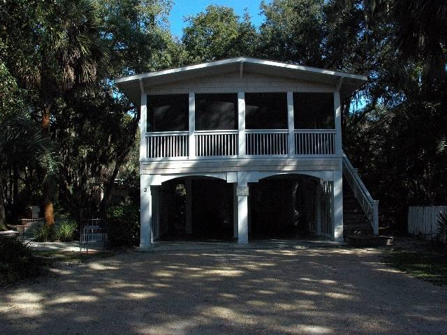 3 Elderberry Lane - Image 1 - Hilton Head - rentals