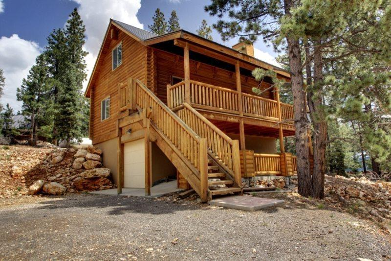 Three Bears Cabin - cozy getaway - Image 1 - Duck Creek Village - rentals