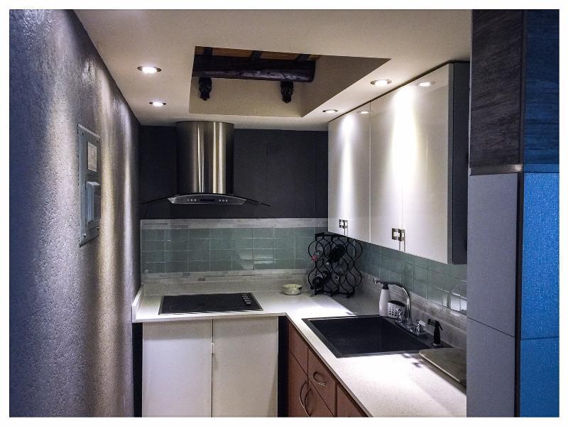 Beautiful Modern Style Great Location A/C. Kitchen - Image 1 - San Juan - rentals