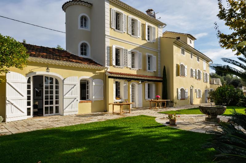 Villa Flora - Image 1 - France - rentals