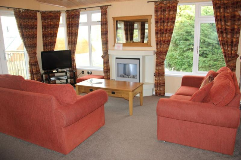 BARTON LODGE Pooley Bridge Holiday Park, Ullswater - - Image 1 - Pooley Bridge - rentals