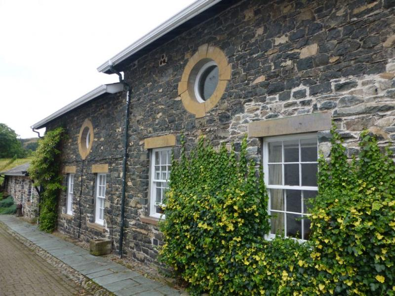 THE HAYLOFT, Dale Head Hall, Thirlmere, Nr Keswick - Image 1 - Keswick - rentals