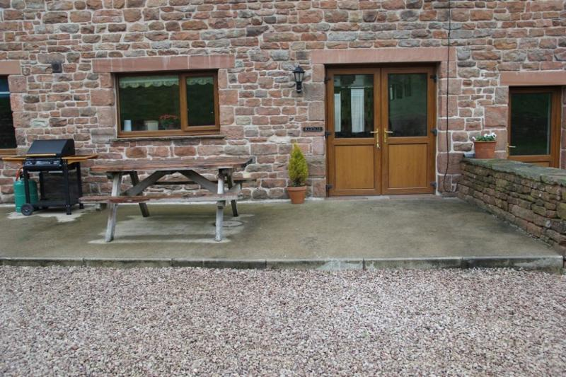 MARDALE Edenhall Cottage, Nr Penrith, Eden Valley - Image 1 - Penrith - rentals