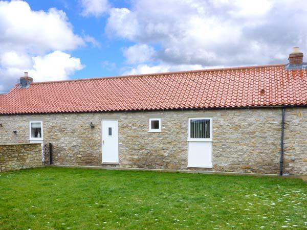 KEEPERS COTTAGE, single-storey, woodburner, enclosed patio, pet-friendly, near Thornton-le-Dale, Ref. 915764 - Image 1 - Thornton-le-dale - rentals