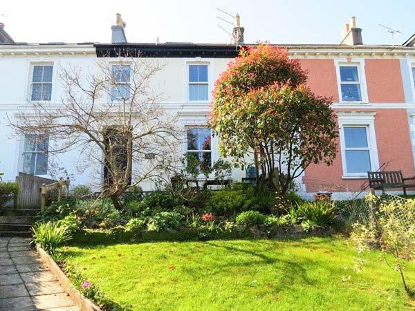 MARITIME VIEW, Victorian townhouse, roof terrace, front and rear gardens, parking, in Falmouth Ref 920610 - Image 1 - Falmouth - rentals