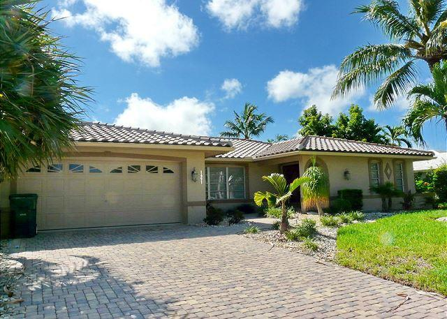 Waterfront home w/ two master suites & large, heated pool - Image 1 - Marco Island - rentals
