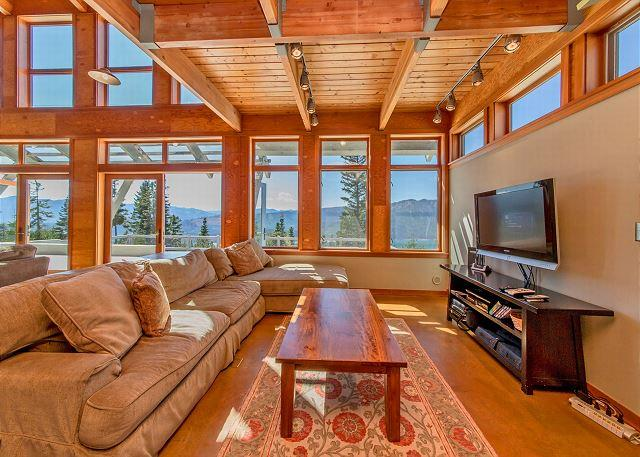 Lookout Lodge - Looking for panoramic views and privacy? 4BR+Loft | Hot Tub | Summer Specials - Ronald - rentals