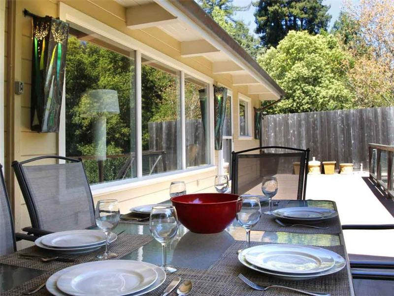 BEACH RETREAT - Image 1 - Guerneville - rentals