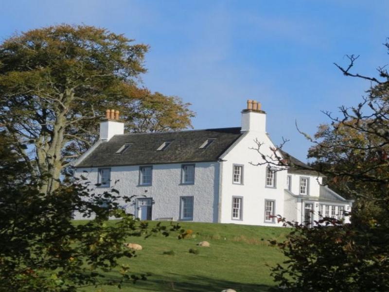 ACHAROSSAN HOUSE, Kilfminan, Argyll - Image 1 - Tighnabruaich - rentals