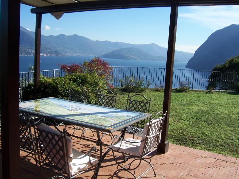 VILLA DANIELA Holiday House Lake Iseo - Image 1 - Riva di Solto - rentals