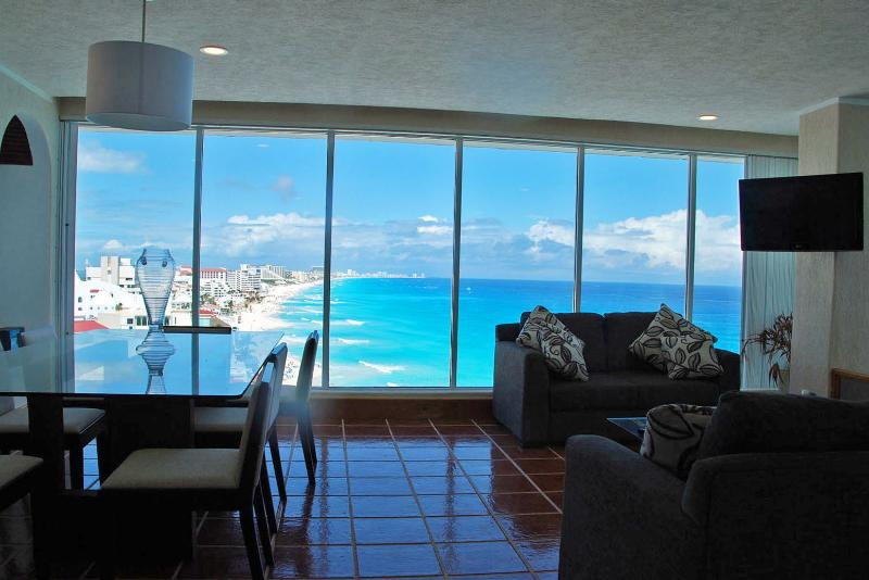 Living - Dining Area - Penthouse #3000 - Cancun - rentals