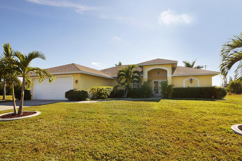 Villa Lukas-South Exposure Pool & Dock for Fishing - Image 1 - Cape Coral - rentals