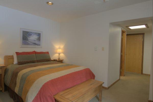 CM331H Copper Mountain Inn - Center Village - Image 1 - Copper Mountain - rentals