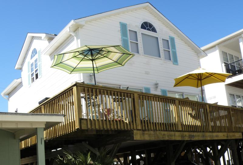 Short walk to the Beach  Rent this 4.5 Bedroom 3 Bath Beach House - Spacious Myrtle Beach Rental Home, Close to the Beach! Book Your Summer Getaway! - Myrtle Beach - rentals