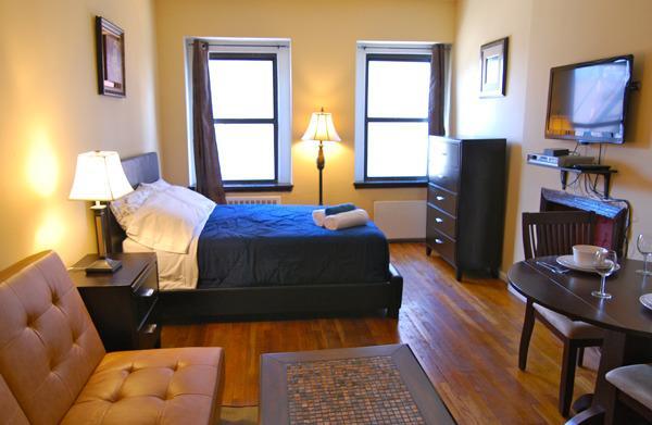 Times Square Dream Studio #8497 - Image 1 - New York City - rentals