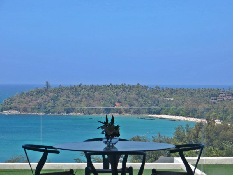 Outdoor Dining On Terrace With Breathtaking Ocean Views - Kata Beach 2 Bedroom Stunning Ocean View - Kata - rentals