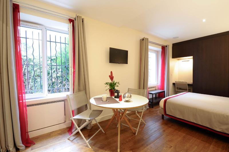 Paris Montmartre Luxury Studio - Image 1 - Paris - rentals