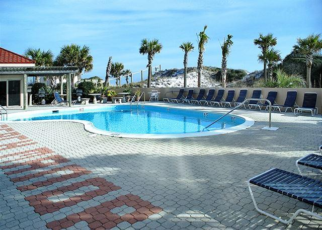 Pool Area - BEACHFRONT FIRST FLOOR 2BR! OPEN 5/2-9! ONLY $735.40 + FEES! - Destin - rentals