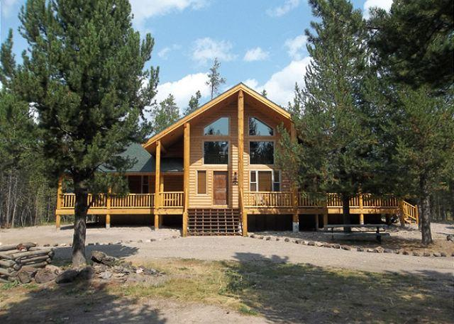 Moose Tracks - Moose Tracks is a brand new cabin just waiting for your family memories. - Island Park - rentals
