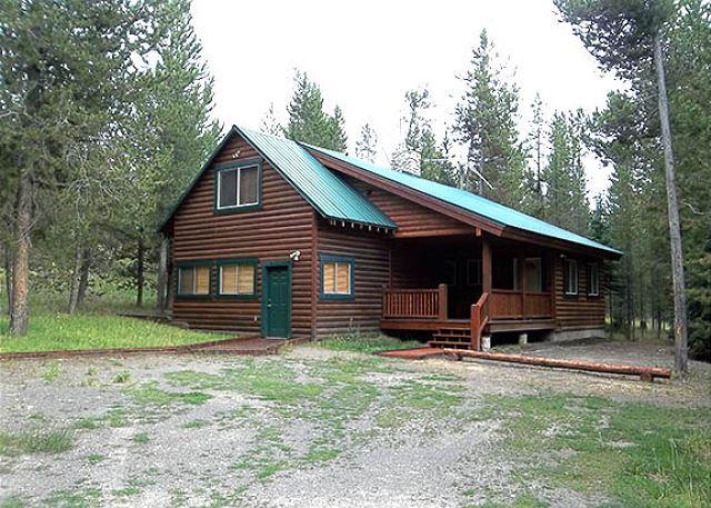 R & R Cabin - Perfect cabin for some R and R in Island Park. - Island Park - rentals