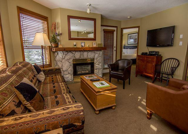 Living Area - Aspens #209, 1 Bdrm Slopeside Unit, Ski Hill View, Ski in Ski out, Free Wifi - Whistler - rentals