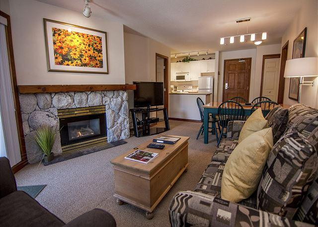Living Area - Aspens #439, Top Floor 2 Bdrm, Ski in Ski out with BBQ & AC - Whistler - rentals