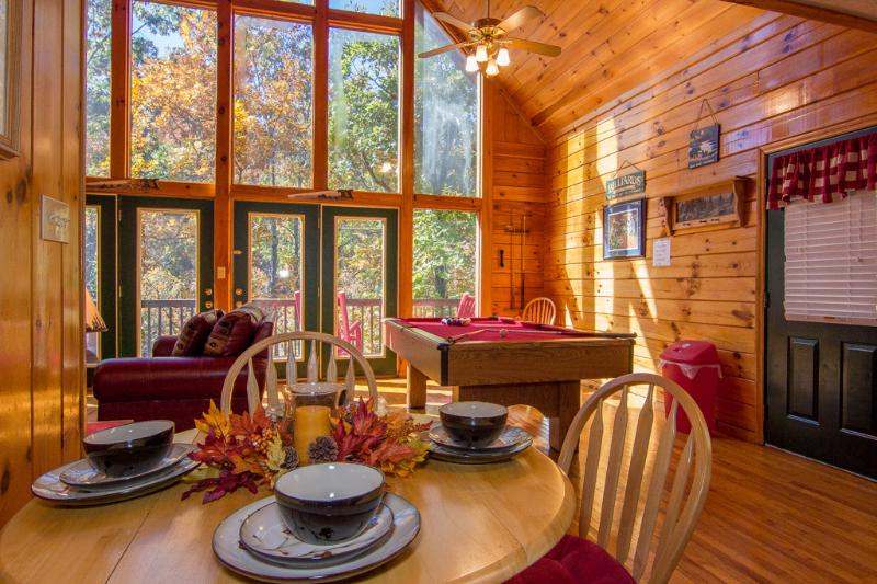Dining Room.Full Wall Of Glass,Awesome View Fall Leaves , - Simple Pleasures Pigeon Forge Tn,Romantic,Wifi,Hot Tub Yr Rd Pool ,Pool Table - Pigeon Forge - rentals