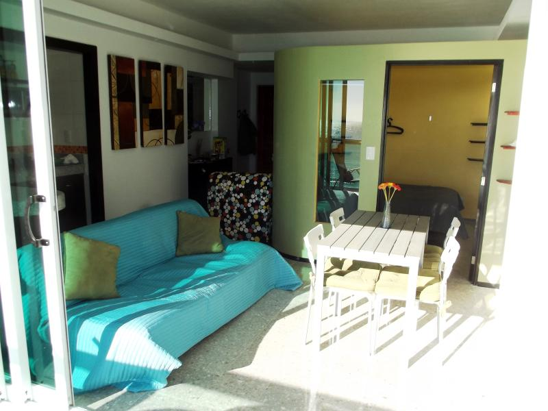 Sleek modern design  with excellent use of space - CLUB ZONE BEACHFRONT CONDO TOP CANCUN LOCATION - Cancun - rentals