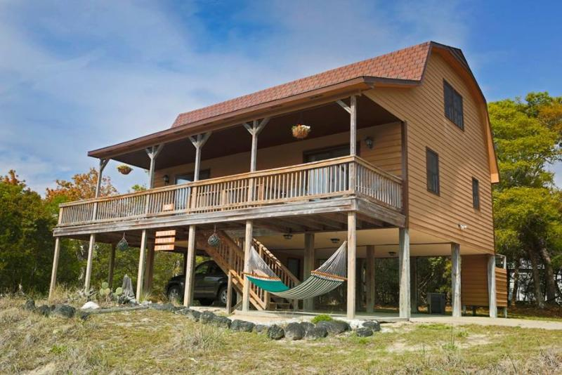 Bobby's Beach Barn - Image 1 - Emerald Isle - rentals