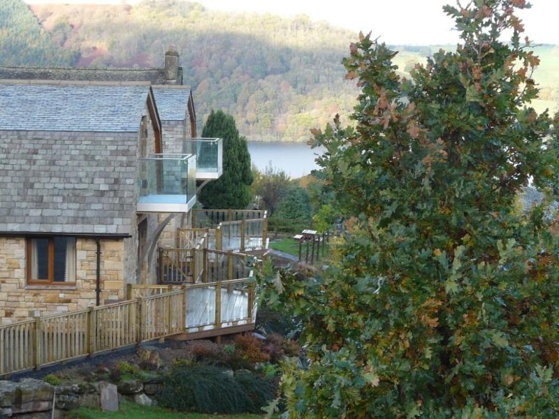 REDWOOD LODGE, Pooley Bridge - Image 1 - Pooley Bridge - rentals