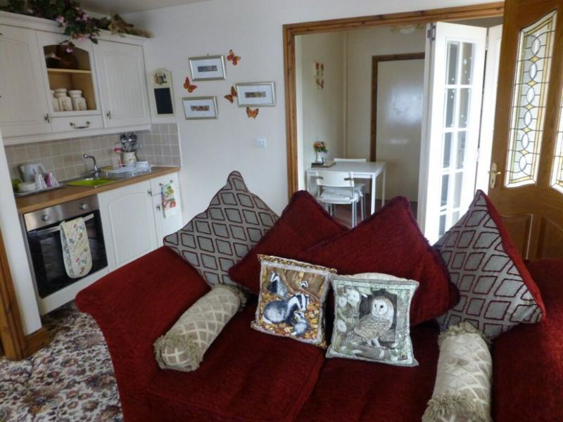 ROBIN'S NEST, Windermere - - Image 1 - Bowness & Windermere - rentals