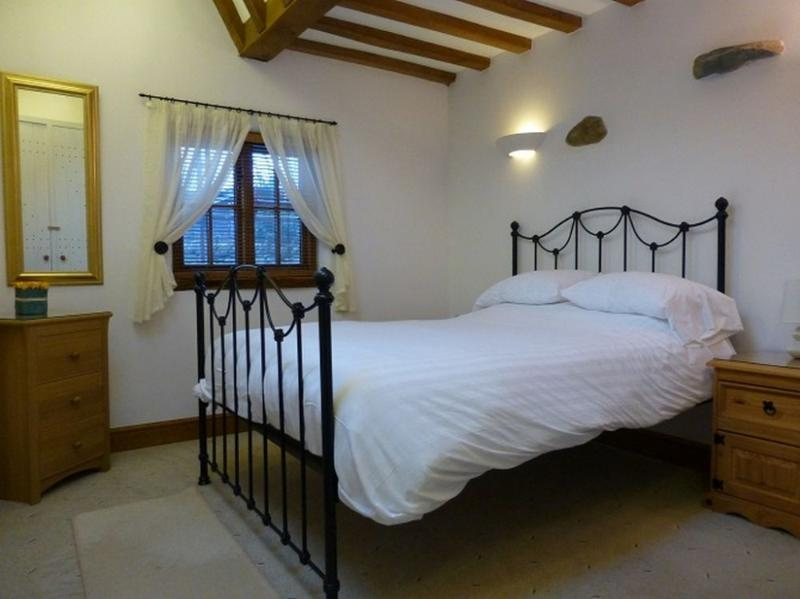 SWALLOWS BARN, Howtown, Ullswater - Image 1 - Howtown - rentals